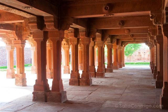 India Fatehpur Sikri Panch Mahal Columnas