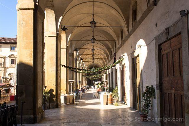 Italia Toscana Arezzo La Vida Es Bella Logge Vasari