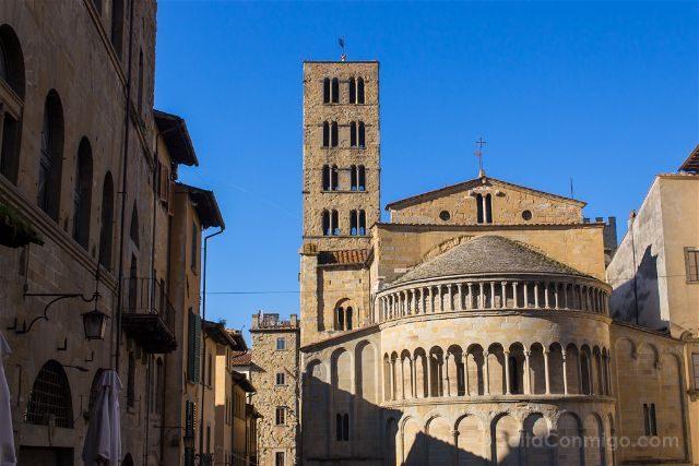 Italia Toscana Arezzo La Vida Es Bella Piazza Grande Abside