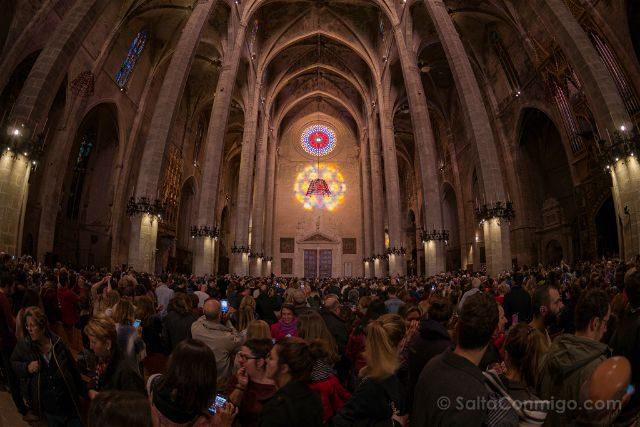 Mallorca Catedral de Palma Espectaculo del Ocho Gente
