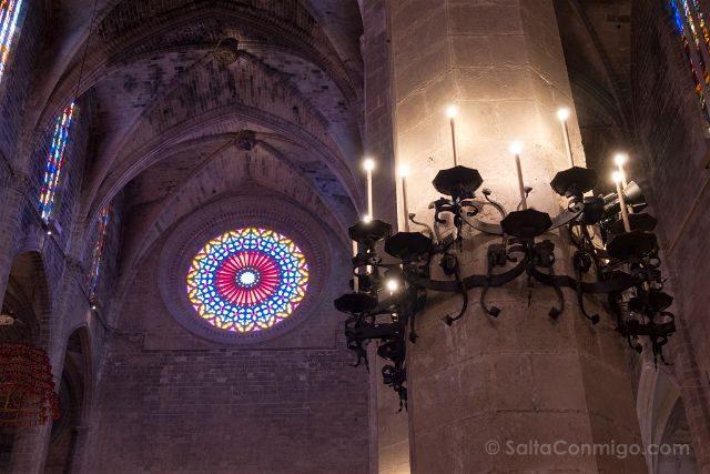 Mallorca Catedral de Palma Roseton Interior Columna