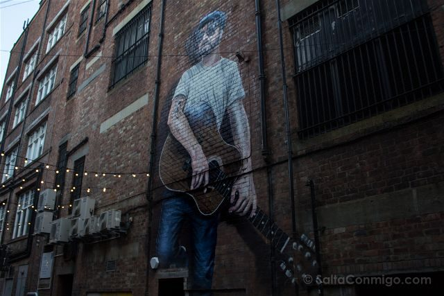 Glasgow City Centre Mural Trail The Musician Rogue-One