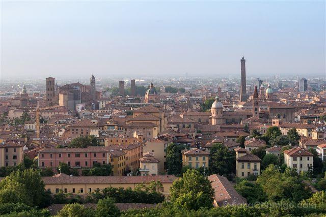Italia Emilia-Romagna Bologna Vista San Michele Borgo
