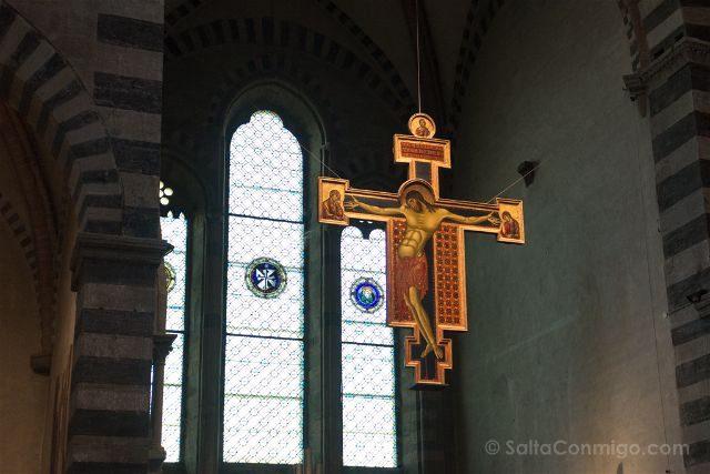 Italia Toscana Arezzo Santa Domingo Crucifijo Cimabue