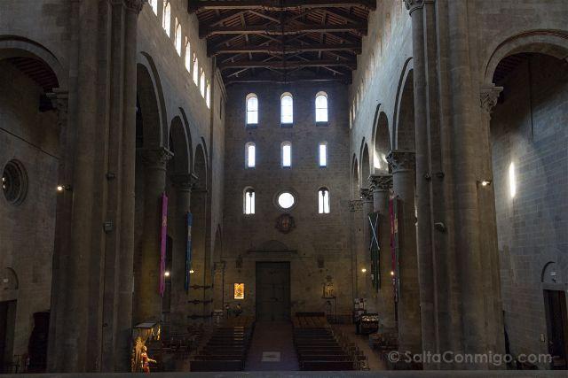 Italia Toscana Arezzo Santa Maria Pieve Interior