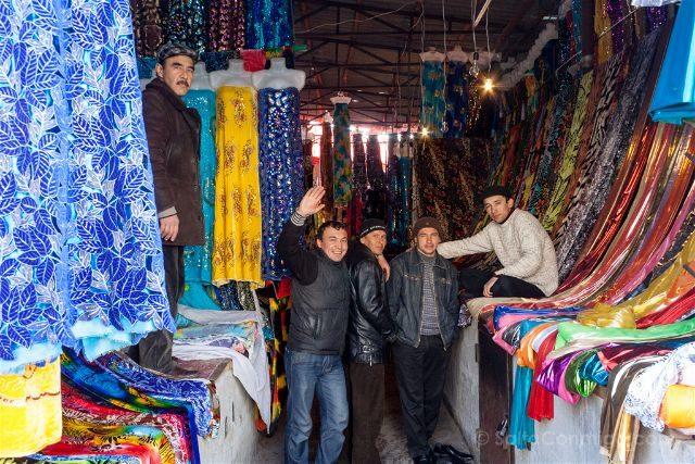 Uzbekistan Urgut Bazar Vendedores