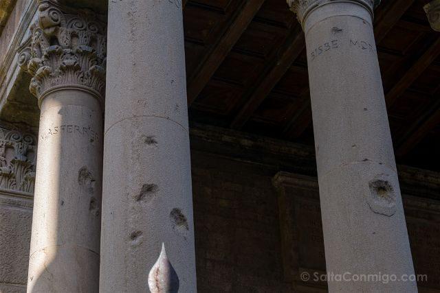 Catalunya Barcelona Vic Templo Romano Metralla