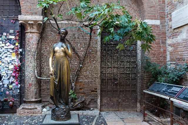 Italia Verona Casa Julieta Estatua