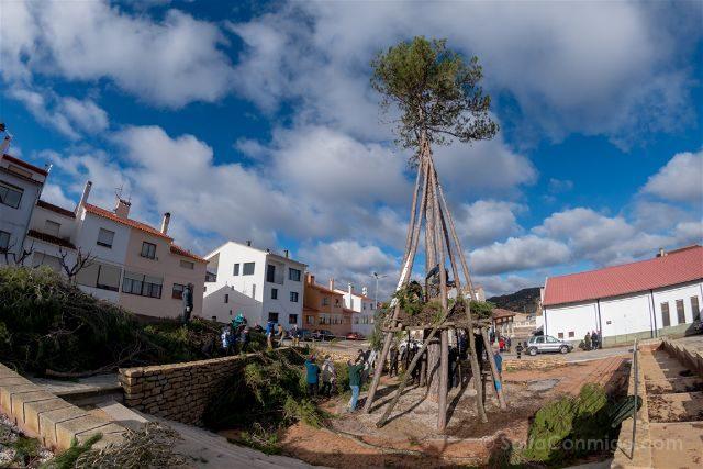 Castellon Els Ports Santantonadas Cinctorres Barraca Vistiendo