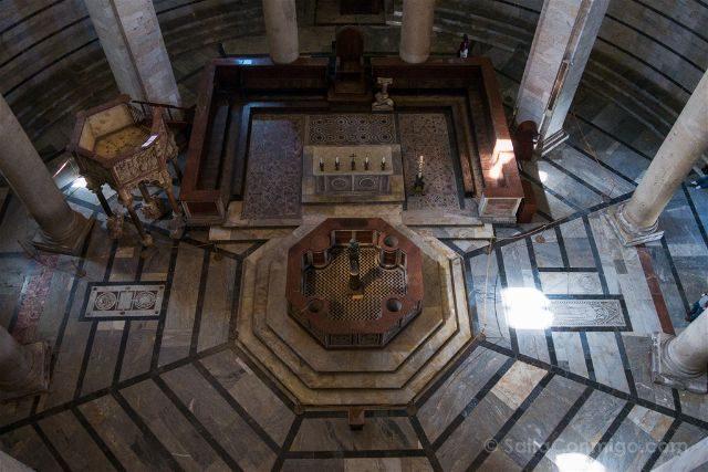 Italia Toscana Pisa Baptisterio Interior