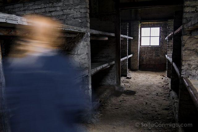 Polonia Cracovia Auschwitz Birkenau Barracon Interior