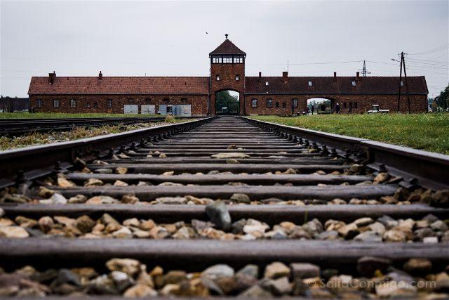 Polonia Cracovia Auschwitz Birkenau Via Tren