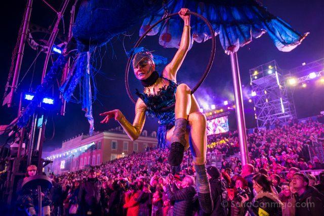Francia Niza Carnaval Festival Luces Acrobata Aro