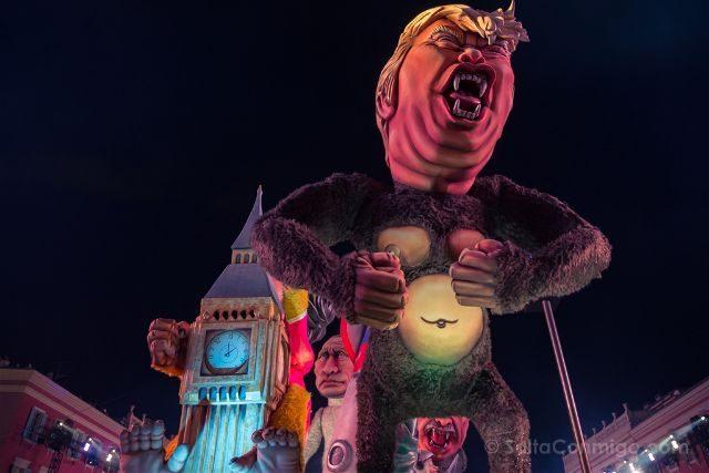 Francia Niza Carnaval Festival Luces Carroza Trump Putin