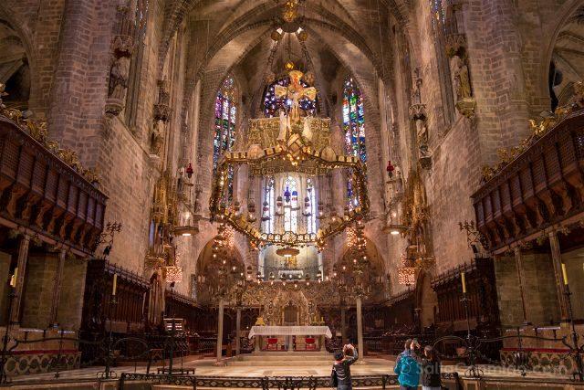 Islas Baleares Mallorca Catedral Capilla Real Baldaquino Gaudi Frontal