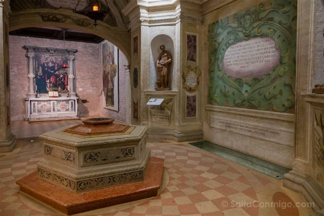 Italia Veneto Padua Basilica Santa Giustina Pozzo Martiri