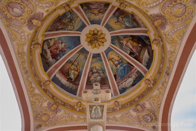 Castellon Zorita del Maestrazgo Santuario Virgen Balma Cruz Cubierta Frescos