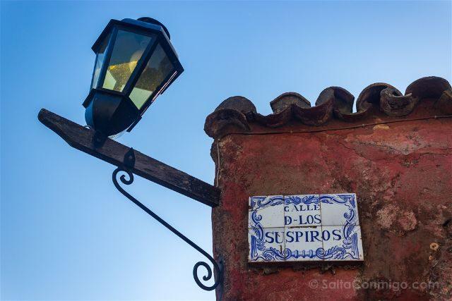 Uruguay Colonia del Sacramento Calle Suspiros Cartel