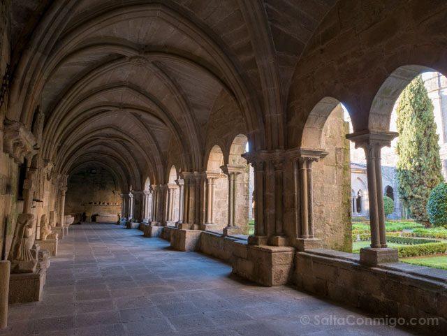 Galicia Rias Baixas Catedral de Tui Claustro