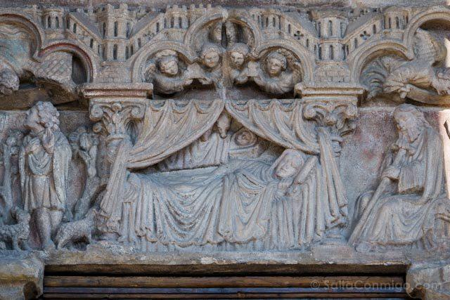 Galicia Rias Baixas Catedral de Tui Detalle Portada Vigen Cama