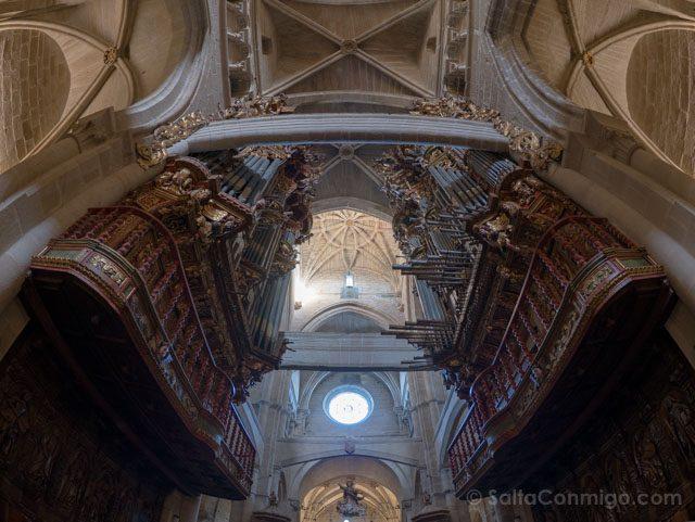 Galicia Rias Baixas Catedral de Tui Interior Organos