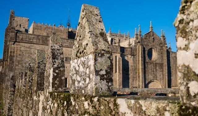 Galicia Rias Baixas Catedral de Tui Terraza Almenas
