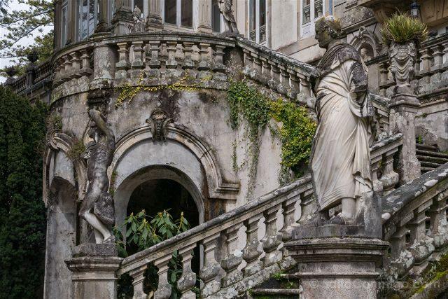 Galicia Rias Baixas Pazo Lourizan Escalera Imperial Estatuas Derecha