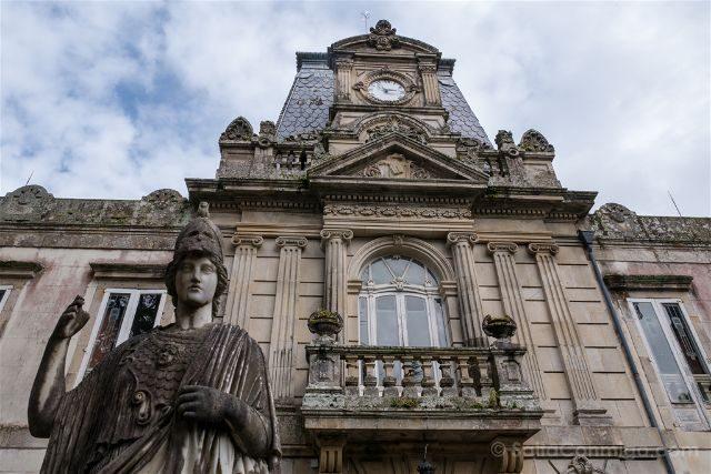 Galicia Rias Baixas Pazo Lourizan Fachada Estatua