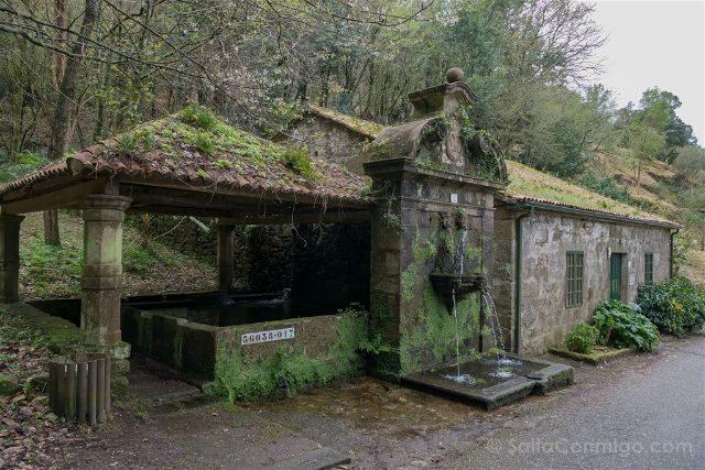 Galicia Rias Baixas Pazo Lourizan Fuente Tres Canos Lavadero