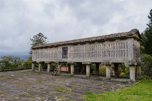 Galicia Rias Baixas Pazo Lourizan Horreo