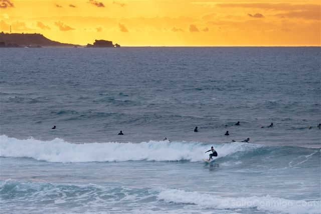 Las Palmas de Gran Canaria Playa Las Canteras Atardecer Surfista
