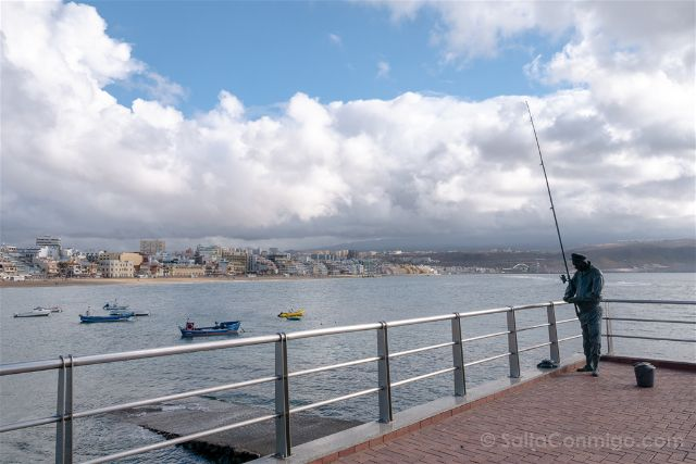 Las Palmas de Gran Canaria Playa Las Canteras Paseo Estatua Pescador