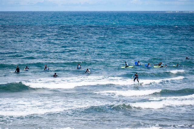 Las Palmas de Gran Canaria Playa Las Canteras Surfistas