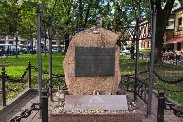 Polonia Cracovia Barrio Judio Kazimierz Calle Szeroka Monumento Holocausto