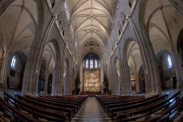 Asturias Oviedo Estatuas Catedral Interior