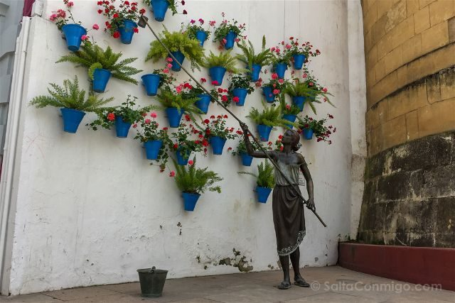 Cordoba Patios Escultura Homenaje Puerta Rincon