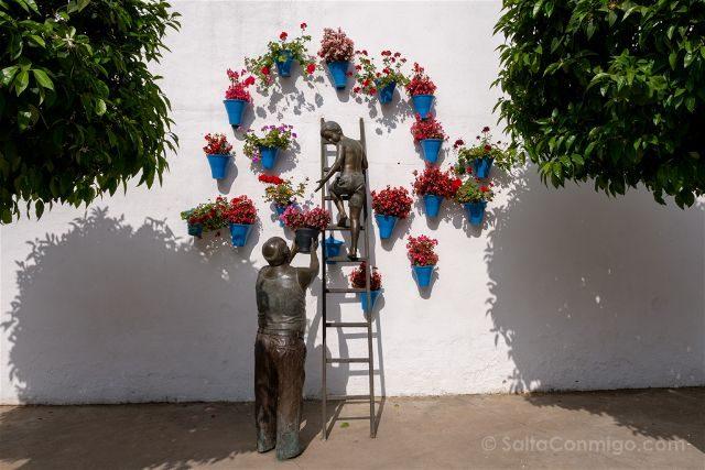 Cordoba Patios Escultura Homenaje San Basilio
