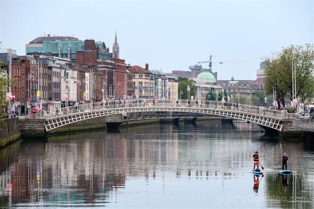Irlanda Dublin Ha'penny Bridge Paddle Surf