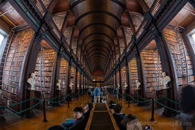 La Visita Al Trinity College De Dublín Y Su Biblioteca