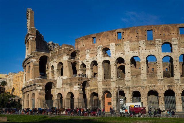 Roma Coliseo Exterior Detalle Terremoto