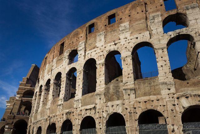 Roma Coliseo Exterior Sur
