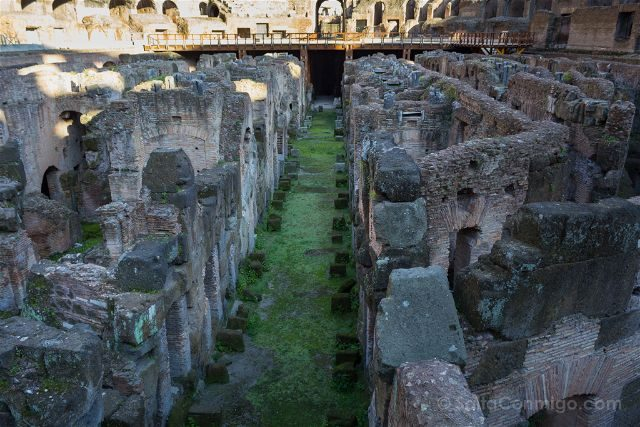 Roma Coliseo Interior Hipogeo