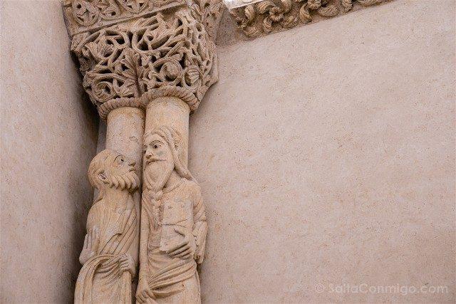 Asturias Oviedo Prerromanico Camara Sagrada Columnas