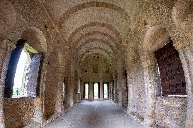 Asturias Oviedo Prerromanico Santa Maria Naranco Interior