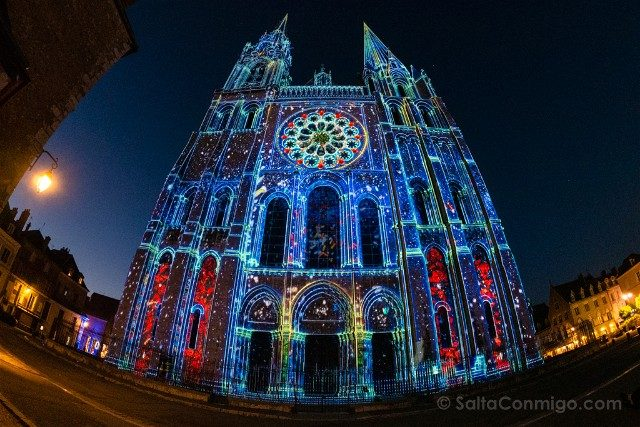 Francia Chartres en Lumieres Catedral Fachada Real