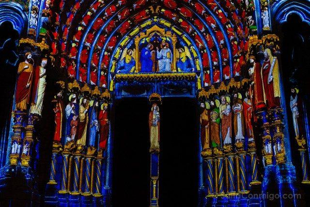 Francia Chartres en Lumieres Catedral Norte Portico