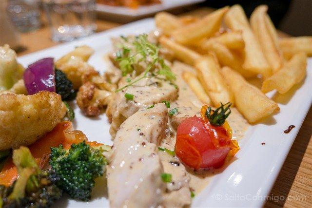 Francia Comer Niza Restaurante Monsigny Pollo Mostaza