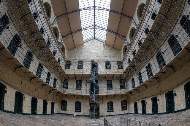 Irlanda Dublin Kilmainham Gaol Ala Victoriana Escalera Ojo Pez