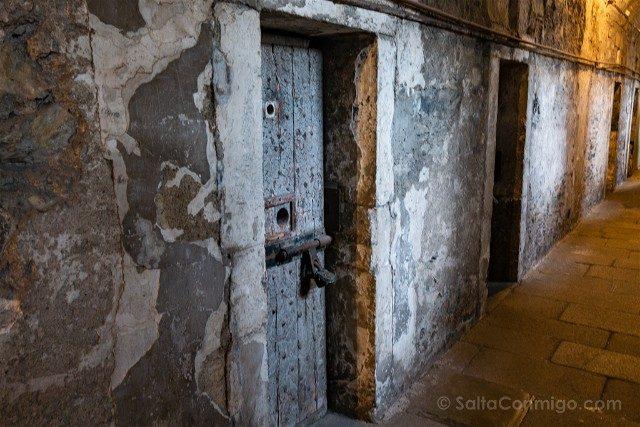 Irlanda Dublin Kilmainham Gaol Pasillo Puertas