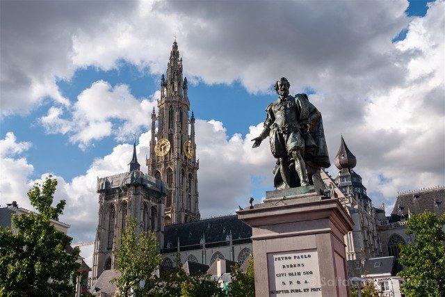 Belgica Flandes Amberes Groenplaats Estatua Rubens